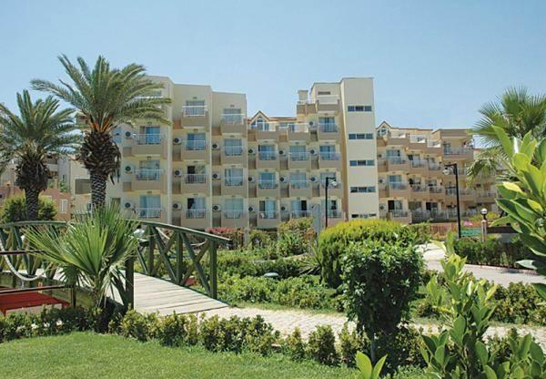 Viking Nona Beach Hotel